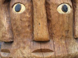 1135114_tribal_wood_carving